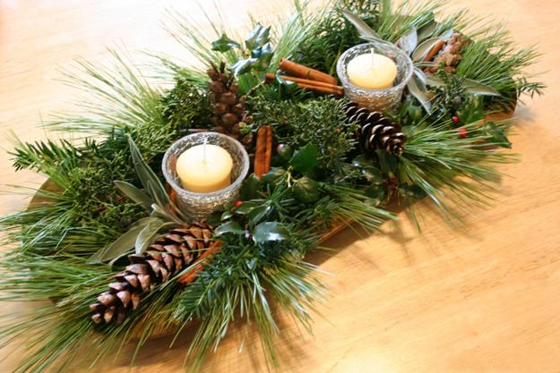 simple christmas table centerpiece idea for green holiday decor - Green Christmas Decorations