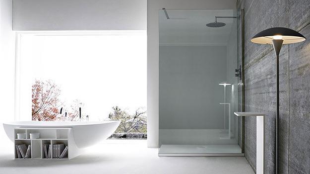 Charmant Modern Bathtub In Oval Shape Featuring Shelves For Space Saving Bathroom  Design