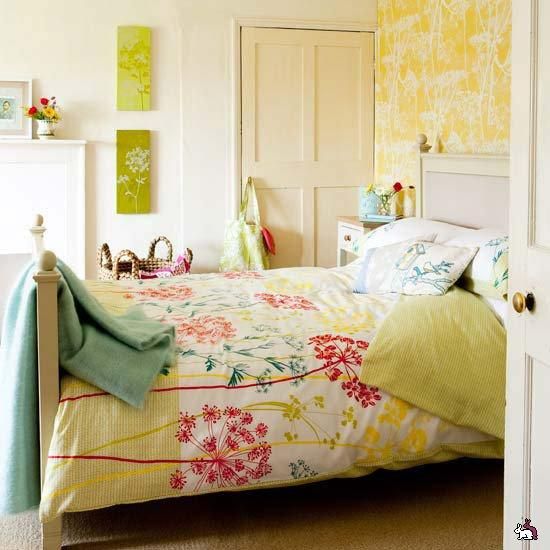 Modern Wallpaper In Yellow Color Combined With Light Turquoise Blue And Pink Bedding For Bright Cheerful Bedroom Decorating