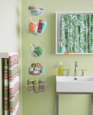 Green Shower Curtain And Green Wall Paint, Green Bathroom Decorating Ideas