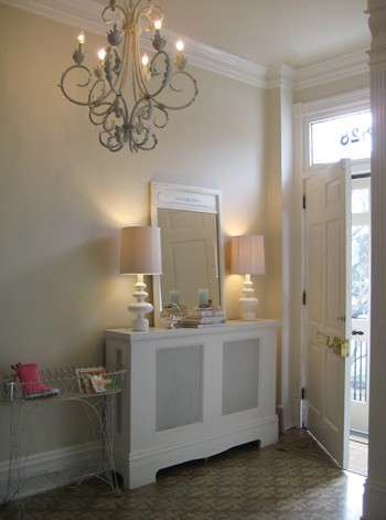 white decorating ideas for small entryways