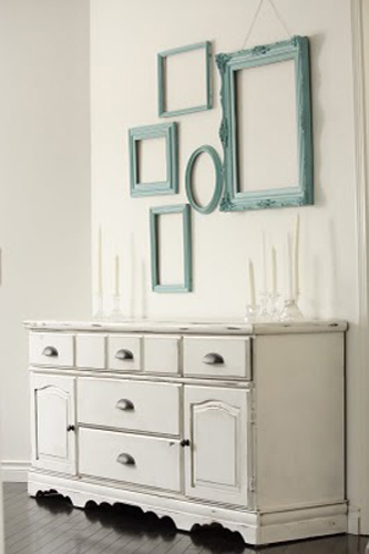 Decorating with Old Picture Frames, Money Saving Wall ...