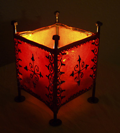 moroccan lantern is a unique lighting fixture which is great for modern home decorating ideas