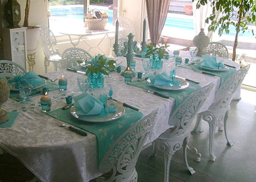 Summer Party Table Setting In White And Turquoise Color Tones Look Airy Elegant Silver Tableware Tablecloth Gl Vase With