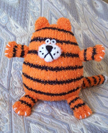 tiger decorative pillows with black stripes for room decorating
