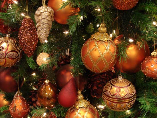 lavish christmas decorating ideas - Orange Coloured Christmas Tree Decorations