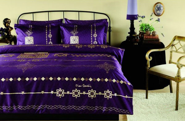 Light And Dark Purple Bedding Sets Add Personality To Modern Bedroom Decor That Symbolizes Endurance Excitement