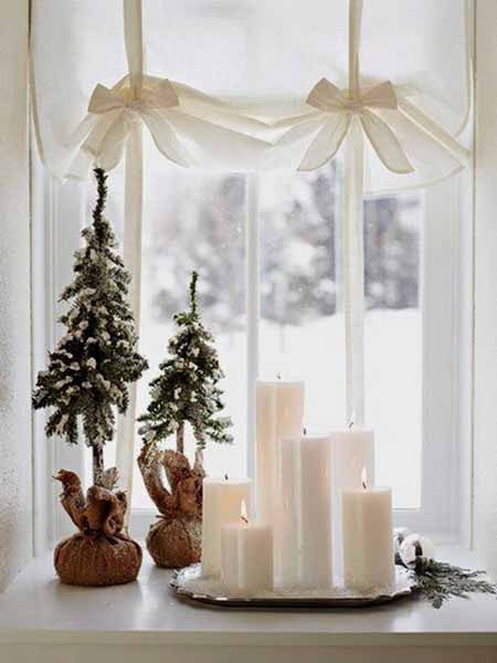 window sill decorating for winter holidays