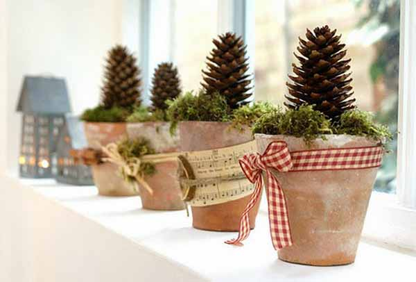 pine cone holiday decorations for christmas and new years eve party creative bright and glowing window sill decorating ideas