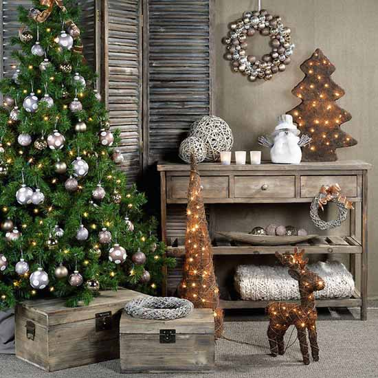 https://www.lushome.com/wp-content/uploads/2011/12/country-christmas-decorating-ideas-holiday-decor-4.jpg