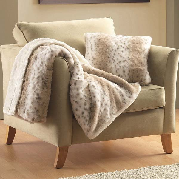 Top 40 Trends In Blankets And Throws Modern Decorative Accessories New Decorative Blankets And Throws