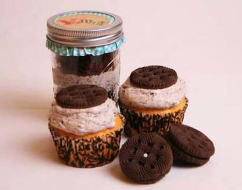 cup cakes in glass jars
