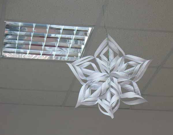 recycled christmas craft ideas recycling paper and snowflakes winter craft ideas 5315
