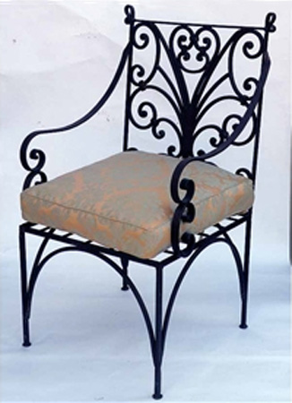 Wrought iron furniture chairs and benches modern interior decorating ideas for Wrought iron bathroom furniture