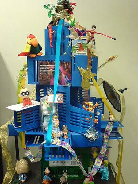 handmade christmas tree for office decorating - Office Christmas Tree Decorating Ideas