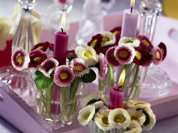 Easy To Make Fl Table Decorations And Centerpieces Pink Purple Candles Fresh Flowers For Holiday Decor