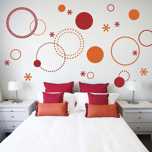 Stenciling Images And Patterns On Walls And Furniture, 21 Charming Room Decorating Ideas