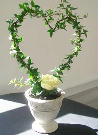 ivy heart decoration for valentines day table centerpiece