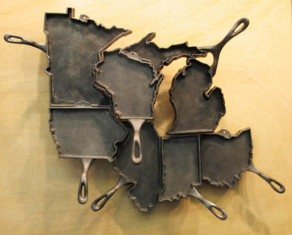 usa map made of pans for wall decorating