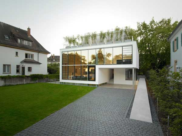 Modern House With Glass Walls And Rooftop Terrace House R