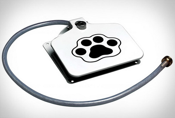 pet watering appliance for backyards