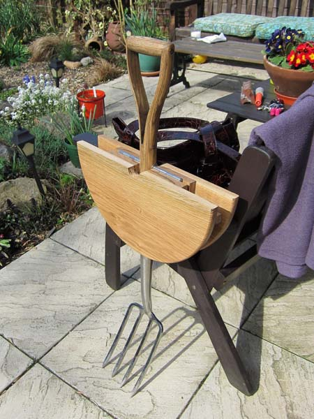 Recycling Old Gardening Tools for Garden Decorations ...