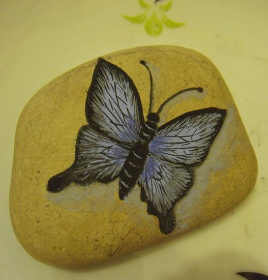 Painted Rocks For Artistic Yard And Garden Designs 40
