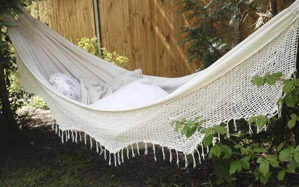 garden hammock bed retro style