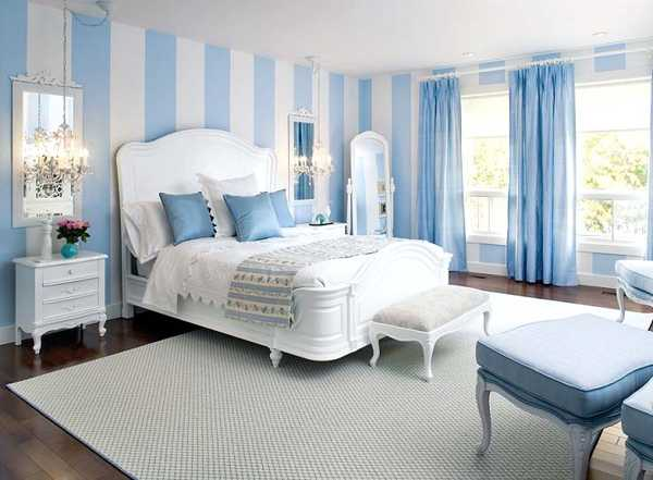 Exceptionnel White And Blue Striped Walls, Light Blue Curtains And Decorative Pillows,  Beautiful Bedroom Decor In White And Blue Color Scheme