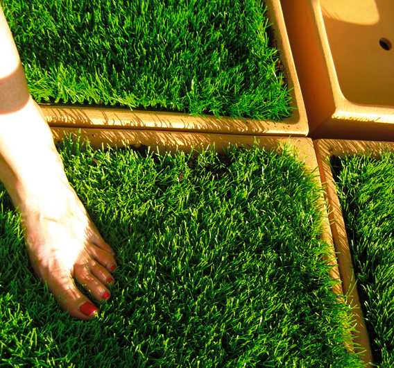ceramic floor tiles with grass