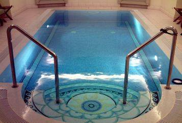 mosaic tiles for indoor pool design