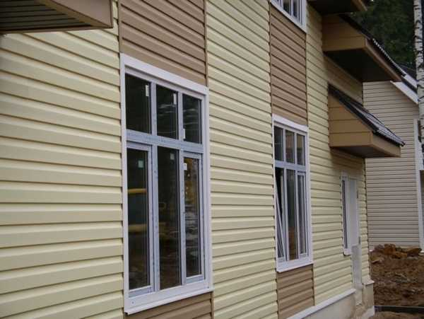 Colorful Vinyl Siding Improving Curb Appeal Of Modern