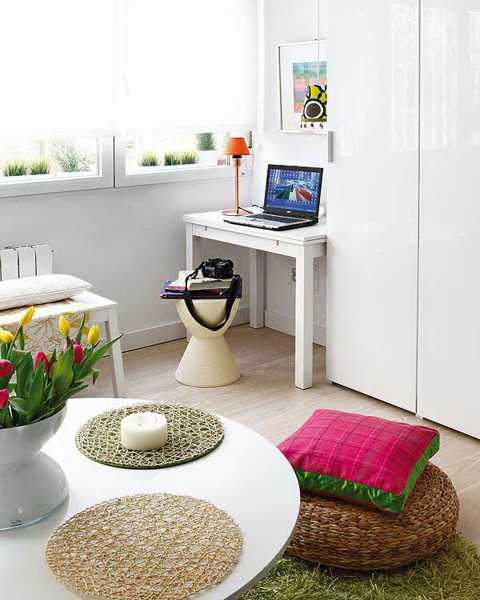 Decorating Small Spaces Blending Colorful Home Accessories ...