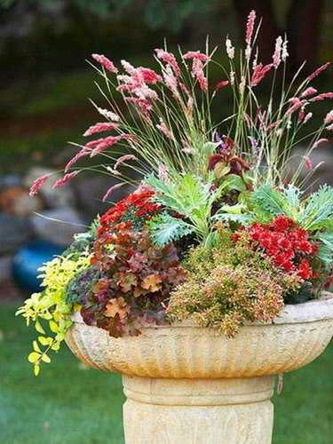 18 Fall Flower Arrangements Welcoming Guests At Your Front