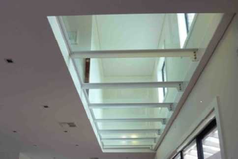 glass floor and ceiling design