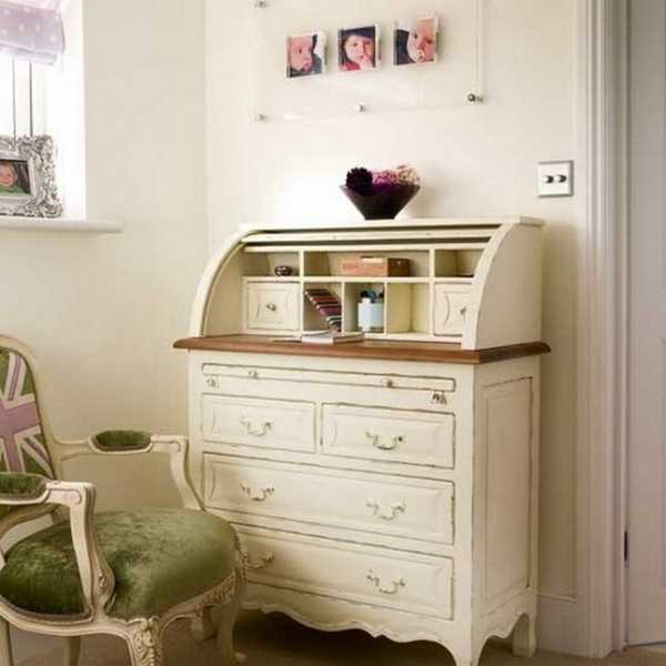 Antique writing table and chair in retro style - 25 Inspiring Ideas For Home Office Design In Vintage Style