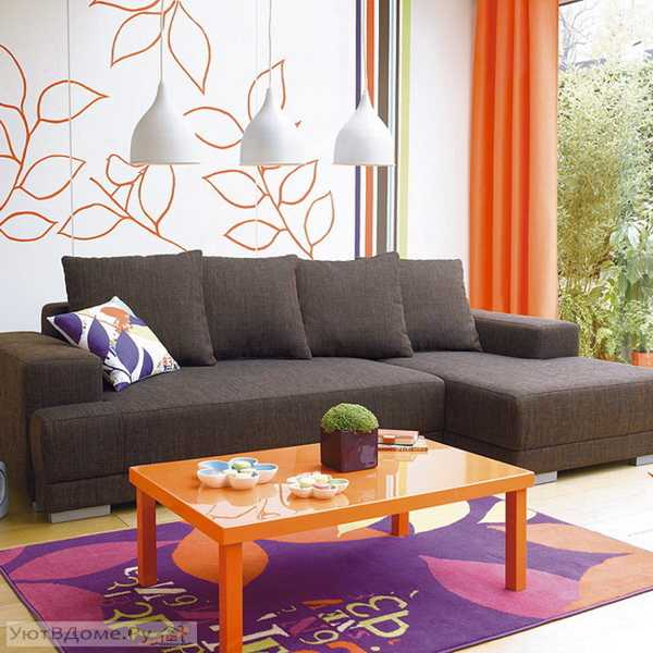 10 Great Ideas To Jazz Up A Small Square Bedroom: Modern Interior Design Ideas Celebrating Bright Orange