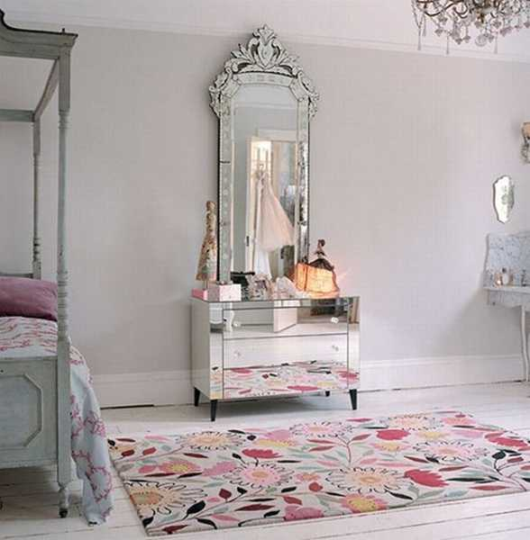 Attrayant Charming Contemporary Bathroom Decorating With Butterfly Wall Mirror