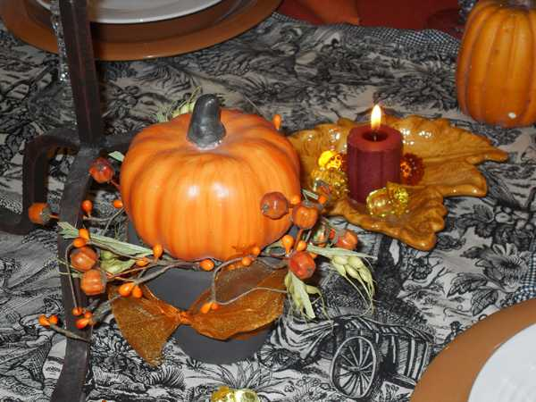 pumpkin and candles centerpieces