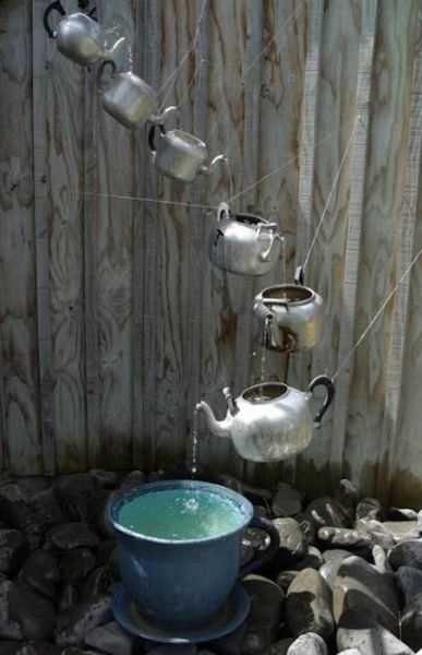Creative And Unusual Rain Chain Design With Teapots