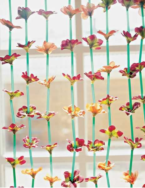 Attractive Handmade Window Curtain Made Of Plastic Straws And Flowers, Plastic Recycling  Ideas For Home Decorating