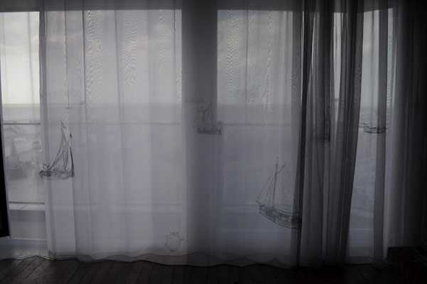 boat prints on window curtain