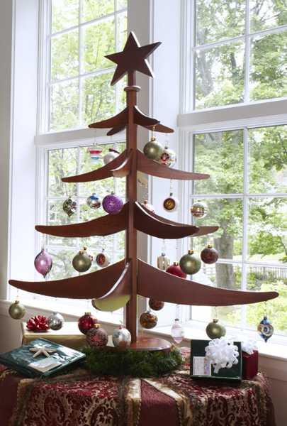 Alternative Christmas Tree Design Ideas, Carved Wood Trees ...