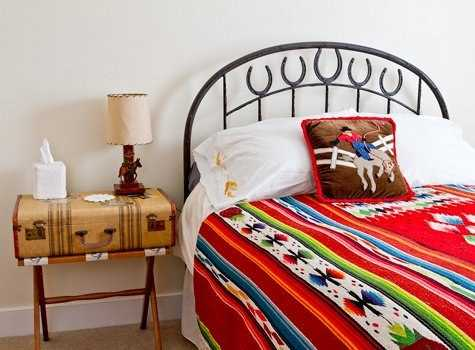 Recycling Old Suitcases For Room Furniture, Night Table For Bedroom  Decorating. Creative Reuse And Recycle Ideas ...