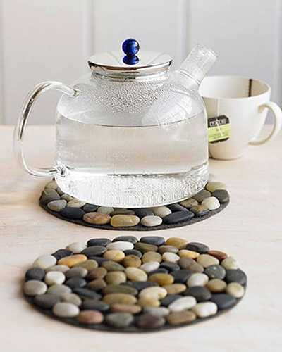 Using River Pebbles For Making Hot Pot Pads Unique And Modern Kitchen Accessories Made Of Natural Material