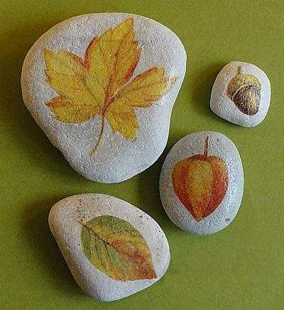 Enhancing fall decorating ideas with fall leaves painted for Leaf crafts for adults