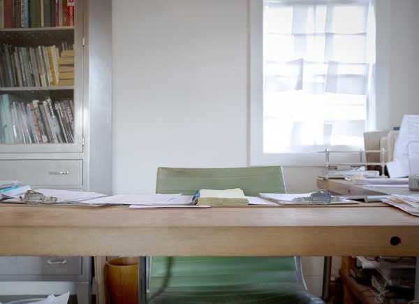 amazing wooden office desk chairs   Amazing Wood Furniture and Office Interior Design with ...