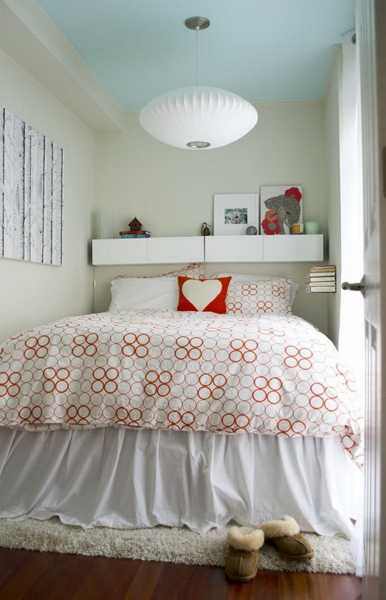Red And White Decorating For Small Bedroom Design