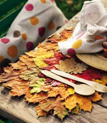 maple leaves place mat made of fabric for thanksgiving table decorating