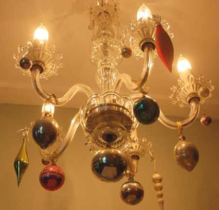 15 christmas decorating ideas for pendant lights and chandeliers aloadofball Image collections
